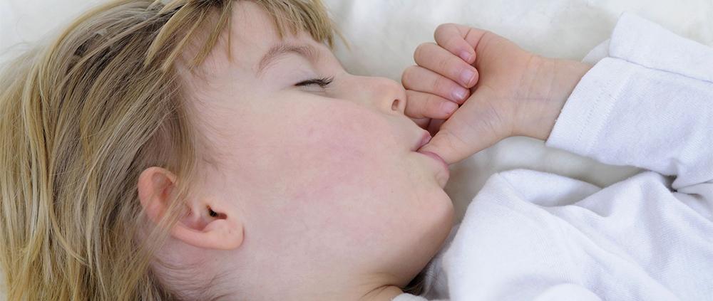 Malocclusioni nei bambini cattive abitudini crescono