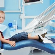 Mini-guida all'apparecchio ortodontico dedicata ai genitori